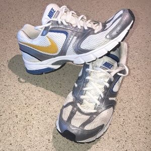 Nike Skyraider 2 running shoes great condition!